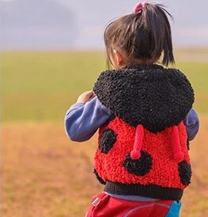 纯手工编织儿童马甲七星瓢虫珊瑚绒线宝宝外套亲子款毛衣宝宝背心