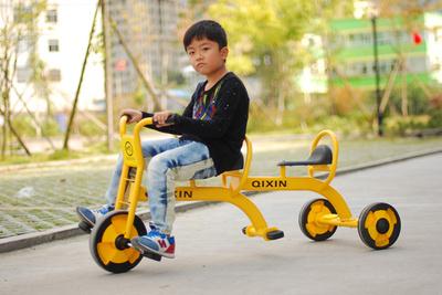 厂家直销儿童室内外用车 幼儿园双人脚踏车 三轮车 单人玩具童车
