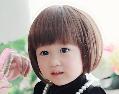 外国可爱小孩短发